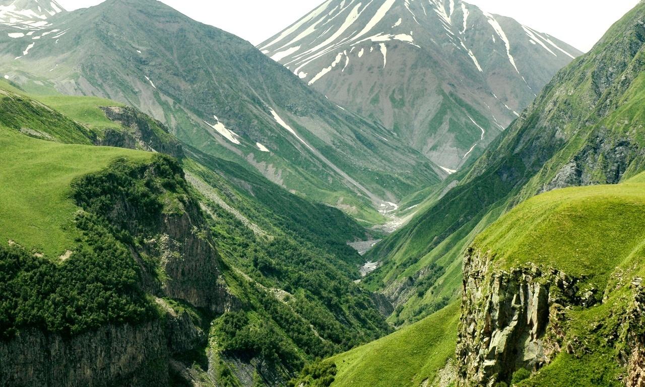 Почему горы так влекут к себе туристов?