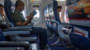 10 правил, что не стоит делать на борту самолета