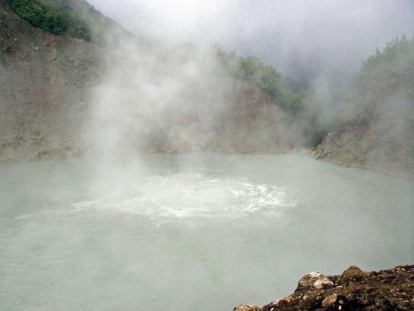 Самое грязное озеро в мире