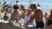 Какие продукты и напитки нельзя брать с собой на пляж