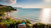 Где этим летом можно найти недорогой отдых на море