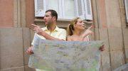 Какие 10 простых фраз стоит выучить на языке страны, куда планируется путешествие