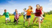 Куда свозить ребенка на летние каникулы: 5 бюджетных идей для заграничного отдых
