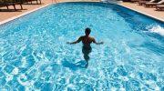 Миф или правда: кто рискует подцепить инфекцию в бассейне отеля