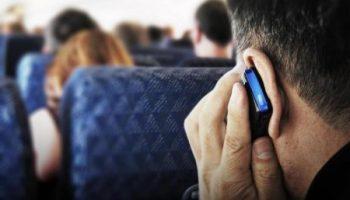 Почему стюардессы просят выключить сеть на телефоне после взлета?