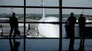 10 советов от сотрудников аэропорта: чего не стоит делать в ожидании рейса и на борту