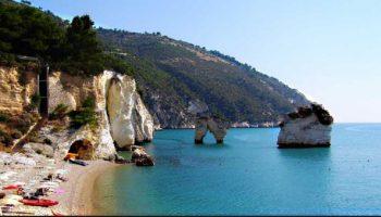 5 самых живописных пляжей в Италии, куда стоит отправиться этим летом