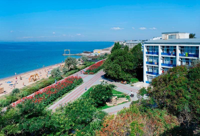 Какой санаторий выбрать направляясь на отдых в Саки (Крым)